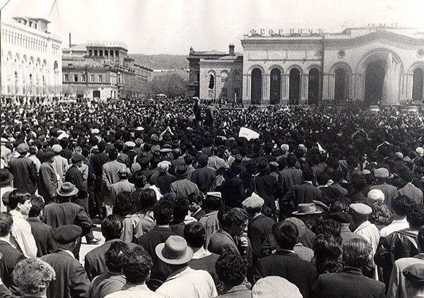 Hraparak During Soviet Armenia