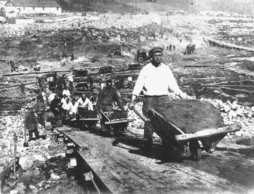 Image of Armenians Working